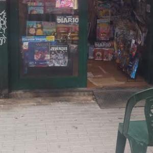 Ostia, nuova intimidazione: a fuoco edicola della segretaria del circolo Pd