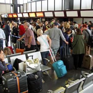 """Incendio Fiumicino, Enac: """"Entro giovedì riapre il molo D al Terminal 3"""""""