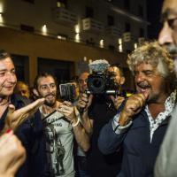Fiaccolata per l'onestà: Beppe Grillo a Ostia