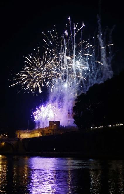 La Girandola a Castel Sant'Angelo: fuochi nella notte di Pietro e Paolo