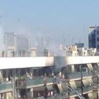 Incendio a Cinecittà Est, palazzo evacuato e 3 intossicati lievi