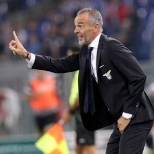 La terza maglia della Lazio con aquila stilizzata celeste su fondo nero