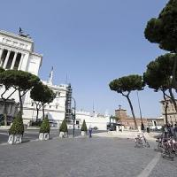 Fori Imperiali, rivoluzione viabilità: pista ciclabile e pedonalizzazione nei weekend