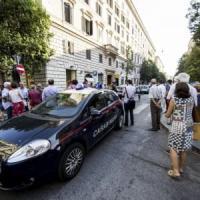 Delitto nella gioielleria di Roma, il killer aveva un coltello. L'autopsia: morto per grave ferita al volto
