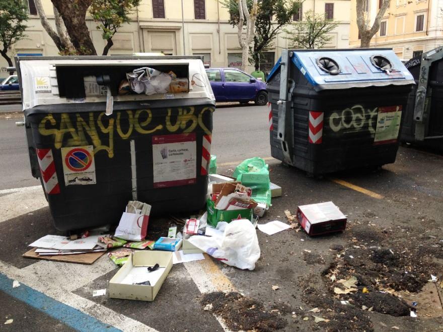 Degrado a Roma, le foto dei lettori / 2