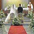 Sposa in ritardo in chiesa Il prete ha un impegno e va via