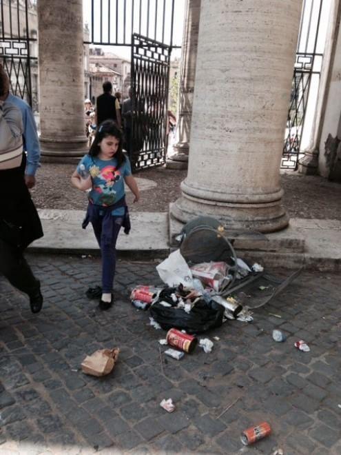 Degrado a Roma, le foto dei lettori / 20
