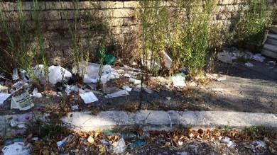 Assenteismo e mezzi rotti : ecco perché nella capitale i rifiuti restano sulle strade