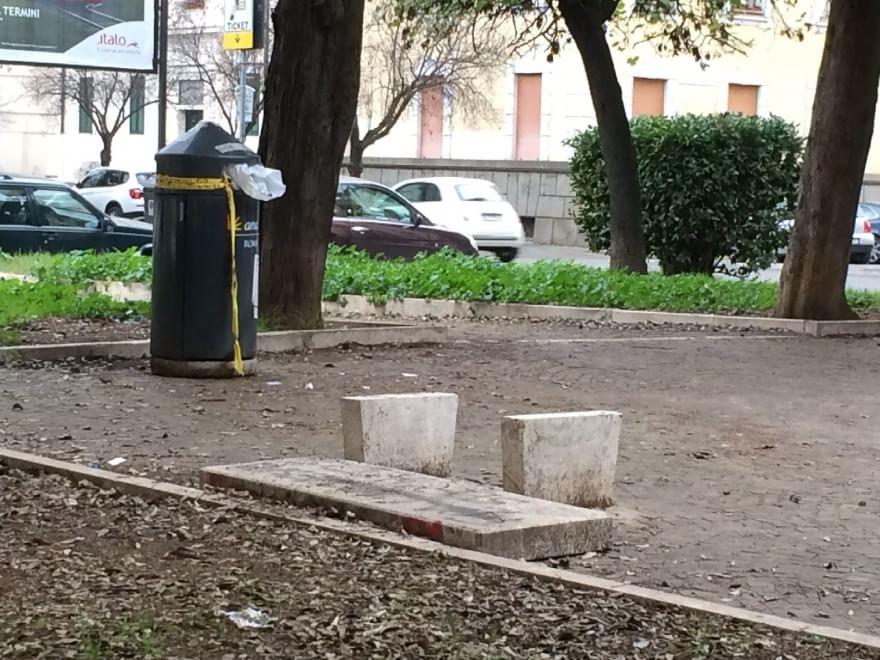Degrado a Roma, le foto dei lettori / 25