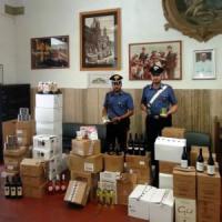 Finti corrieri truffavano i commercianti del centro: un arresto