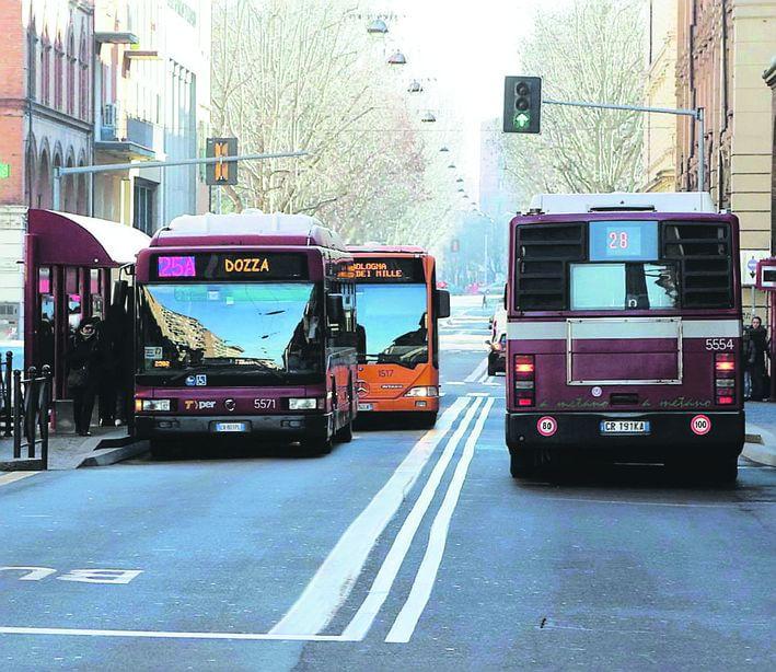 """Trasporti, idea Giubileo: """"Cento bus in prestito dalle regioni del Nord"""""""