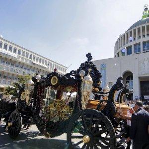 """Funerali Casamonica, l'ira del Vaticano. Al Viminale la relazione Gabrielli: """"Una catena di errori gravi""""."""