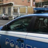 Roma, auto in fuga dalla polizia travolge una moto: due morti