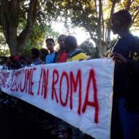 Roma, la marcia degli scalzi