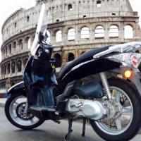 """""""Vuoi un passaggio in Scooterino?"""": a Roma la app per lo sharing delle due ruote"""