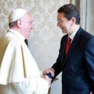 """Papa Francesco: """"Marino a Filadelfia? Non l'ho invitato io"""". Il sindaco: """"Io convocato dal primo cittadino americano"""""""