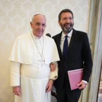 """La versione di Marino: """"Il Papa? Io non avrei risposto"""". Orfini: """"Basta polemiche, pensi..."""