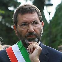 """Roma, pioggia di esposti sulle spese di Marino: """"In trattoria nei giorni di festa"""""""