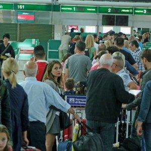 Valigia sospetta a Fiumicino. Evacuato il Terminal 3, ma erano orologi