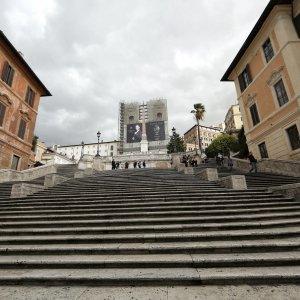 c034bae3070 Marino a Trinità dei Monti per il restauro della scalinata: via ai lavori  firmati Bulgari