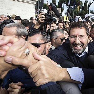 Caso Marino, in aula per chiedere un nuovo mandato: il piano risurrezione dopo gli scontrini