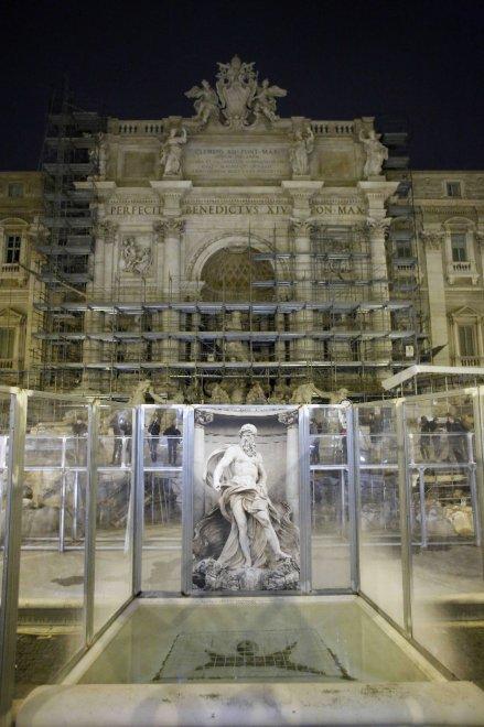 Fontana di Trevi, fine restauri. Martedì tornerà a splendere