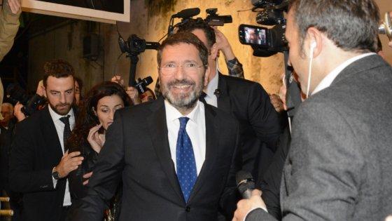 """Marino ci ripensa e ritira dimissioni. """"Ci vediamo in Aula"""". Il Pd ai suoi consiglieri: """"Via dal Campidoglio"""""""