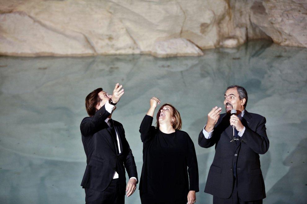 Torna l'acqua a Fontana di Trevi, dopo il restauro firmato Fendi