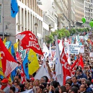 Scuola, scioperi e cortei a Roma. Traffico a rischio caos