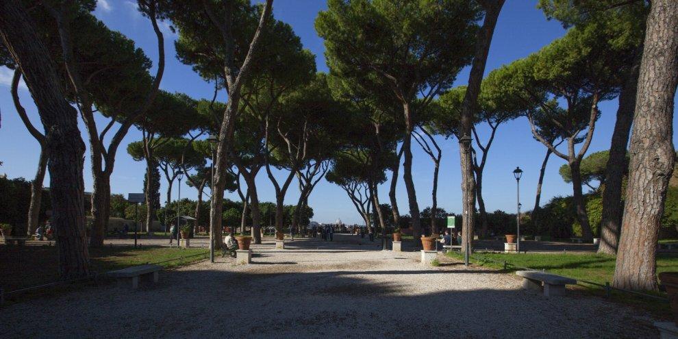 Rinasce il giardino degli aranci manutenzione e restauro a cura dei privati 1 di 1 roma - Giardino degli aranci frattamaggiore ...