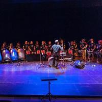 Il ritmo dei Letizia Drums all'istituto