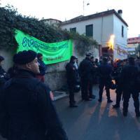 Perquisizioni al Baobab di Roma: portati via 23 immigrati senza documenti