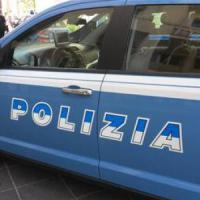 Roma, ultrà prende a pugni il vicino e aggredisce poliziotti: arrestato