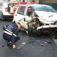 Roma, incidente sulla via del Mare: 5 feriti