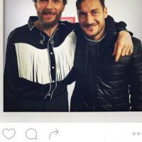 Jovanotti e Totti: la foto dopo il concerto di Roma
