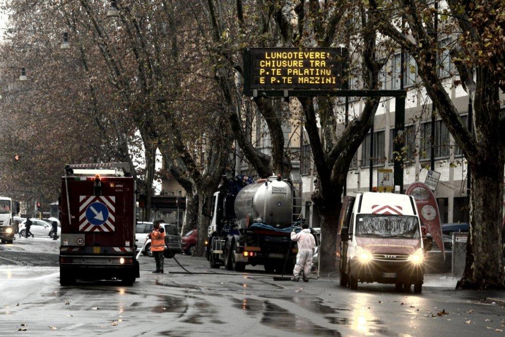 Emergenza guano a Roma. E i vigili chiudono il lungotevere per 10 ore