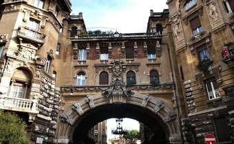 """""""Scoprire Roma? Visitate il Quadraro o la Piccola Londra"""". Guida per turisti Usa"""