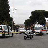 Roma, motociclista investito e ucciso da un autobus Atac al Circo Massimo