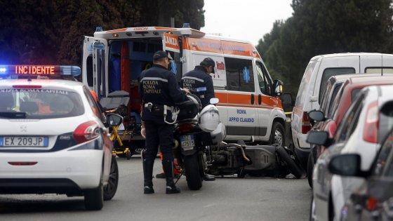 Roma, morire a 31 anni sul motorino travolto dal bus al Circo Massimo