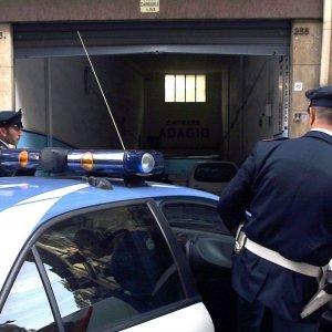 Roma, tenta di strangolare ex moglie fino a farla svenire: arrestato