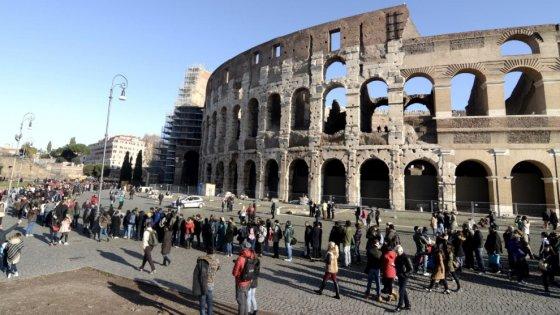 Roma, Colosseo tra i siti piu visitati nel 2015. Verso il ticket a fasce orarie