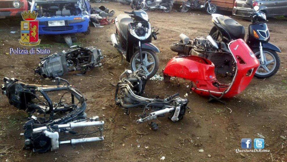 Pezzi e carcasse di moto rubate scoperti a roma 1 di 1 for Affitto officina roma
