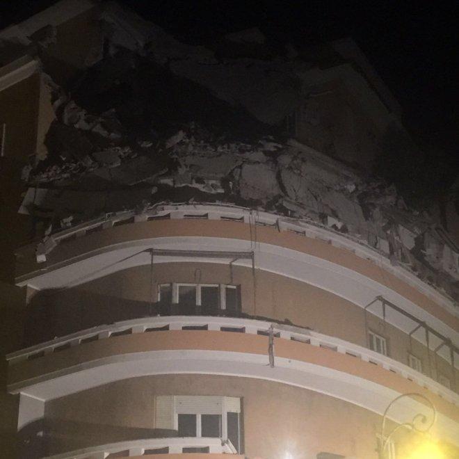 Roma, crollo di un palazzo sul lungotevere: nessuna vittima