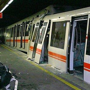 Scontro in metro a Roma nel 2006: condannato per omicidio il macchinista, assolti dirigenti