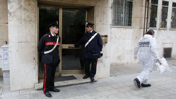 Ucciso in casa a Roma dopo una lite per una donna: fermato l'amico