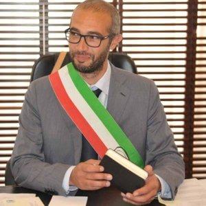 Civitavecchia, il sindaco M5s Cozzolino aggredito sotto casa