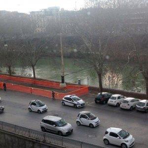 Roma, tracce di liquidi tossici: sequestrato tratto Lungotevere vicino a piazza del Popolo