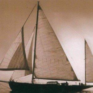 Fiumicino, sequestrati beni a imprenditore: c'è anche la barca di Benito Mussolini