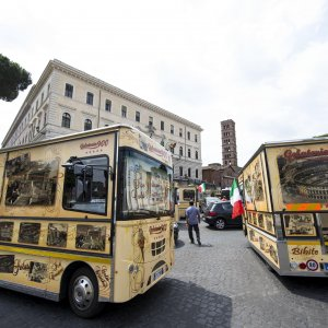 Roma, Giubileo: ambulanti e  camion bar possono tornare a San Pietro