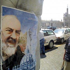 L'ora di Padre Pio, arrivano a Roma le spoglie: zona rossa in 9 aree
